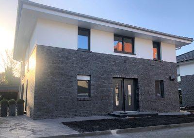 Neubau Zweiparteienhaus